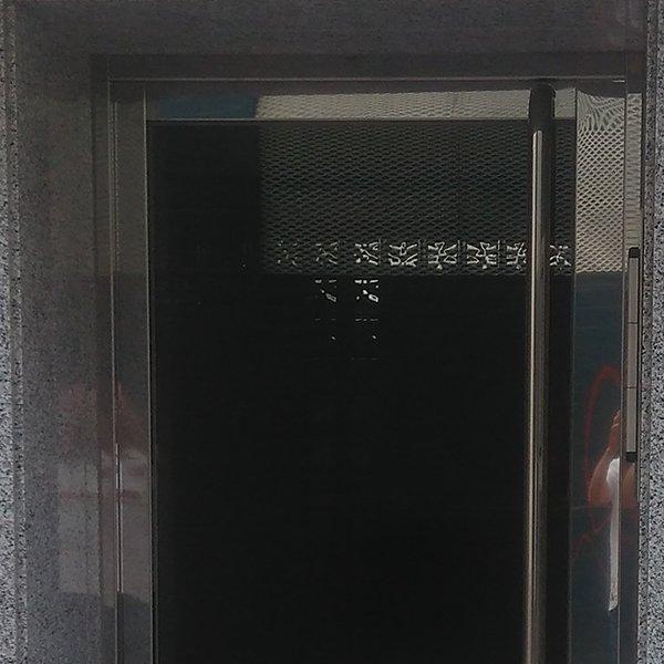 puerta-portal-acero-inoxidable