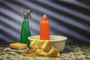 limpiar cristal puerta